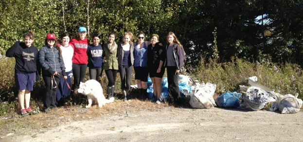 tl_files/sites/ees/Images/news/elderkin_brook_cleanup.jpg